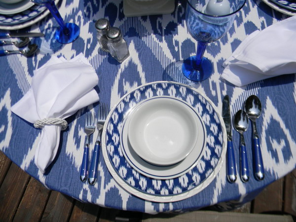 ikat-trend-design-ideas-tablecloth1